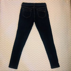 Sneak peek low rise skinny jeans. Size 9